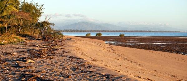 scenic-beach-Townsville-AU