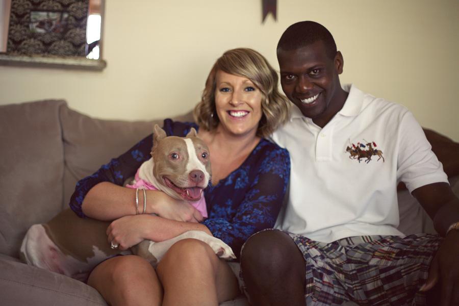 family-portrait-engagement-session, pitbull-with-bandana