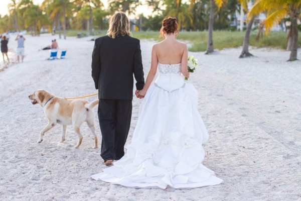 © Filda Konec Photography, bride-groom-dog-beach