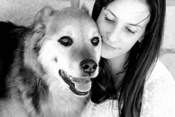 © Tangled Lilac Photography, sweet-senior-dog-and-woman