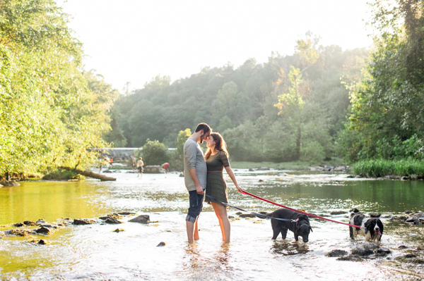 © Caroline Lima Photography, | Daily Dog Tag | River-dogs-engagement-session