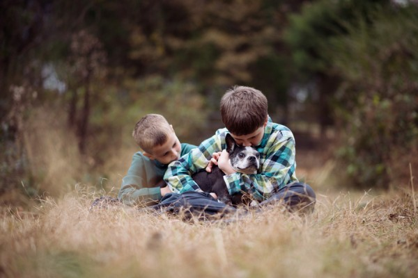 © Kelley Smallman Photography   Daily Dog Tag   Family-Dog-Photography, love-between-kids-and-dogs