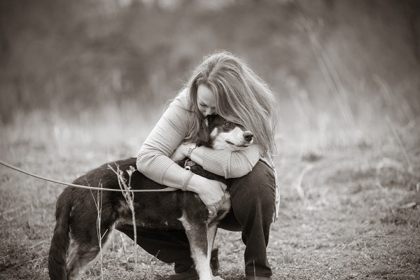 © Jessica Painter Photography | Daily Dog Tag | bond-between-dog-and-shelter-worker