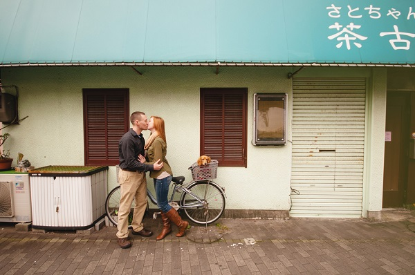 © Oeil Photography | Japanese engagement session with dog