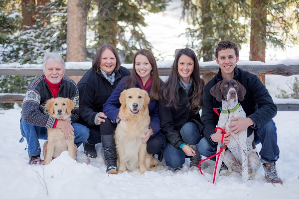 © Meigan Canfield Photography | Family portrait in snow, CO lifestyle photographer