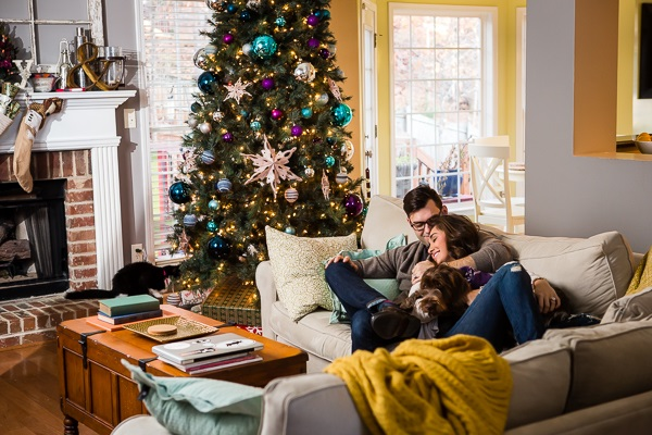 © Ashah Photography | Christmas photos with dog and couple,