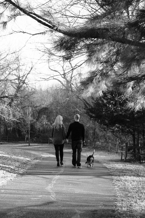 © Robyn Icks Photography | Daily Dog Tag | lifestyle-family-photos, couple walking their dog