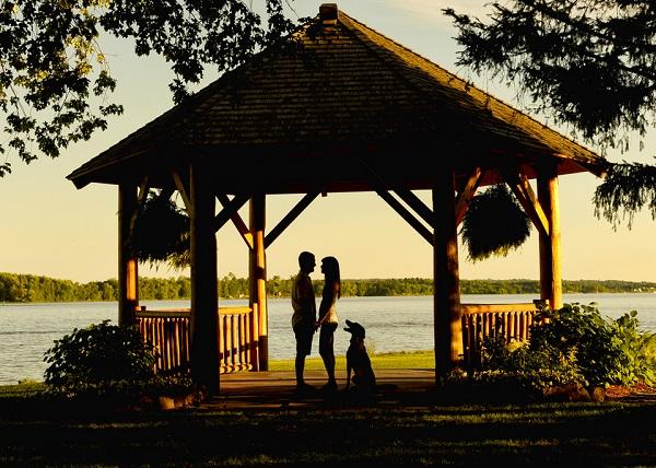 © Chantal Benoit Photographer | sunset engagement photos, silhouettes, engaged couple dog