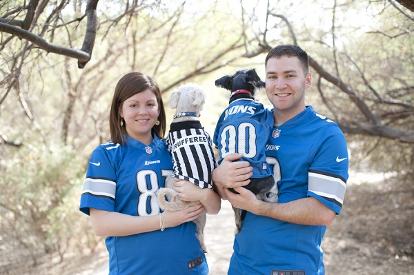 © Lauren Weeks Photography| Rufferee shirt, dog in football jersey, Lions-fans lifestyle-dog-photography