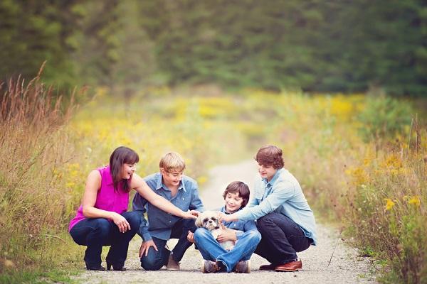 © Melissa Avey Photography |Gizzy, lifestyle-pet-family-photography, Ontario family photos