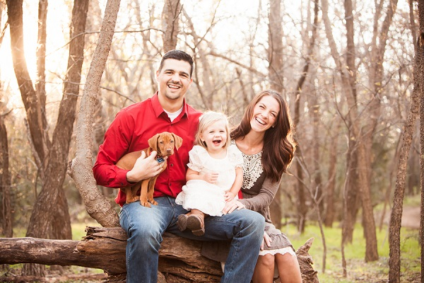 © Fife Photography | Norman, OK, family-portraits-Vizsla-puppy-woods-on-location-portraits.