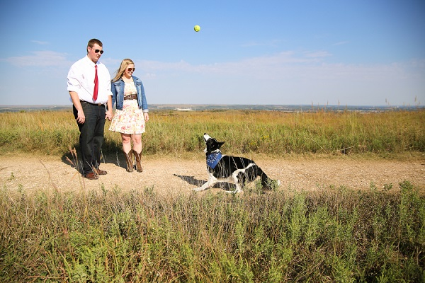 © Jamie K Photography | Engagement pictures with Border Collie,  lifestyle pet photography