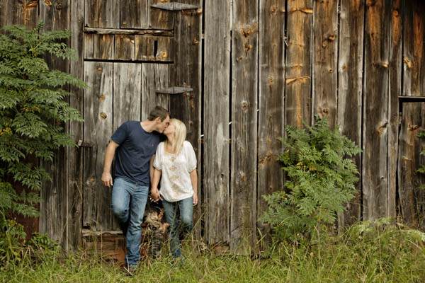© Andie Freeman Photography | country-engagement-session-with-small- dog, old-barn