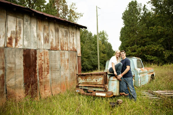© Andie Freeman Photography  |country-engagement-photos-with-dog, old-Chevy-truck