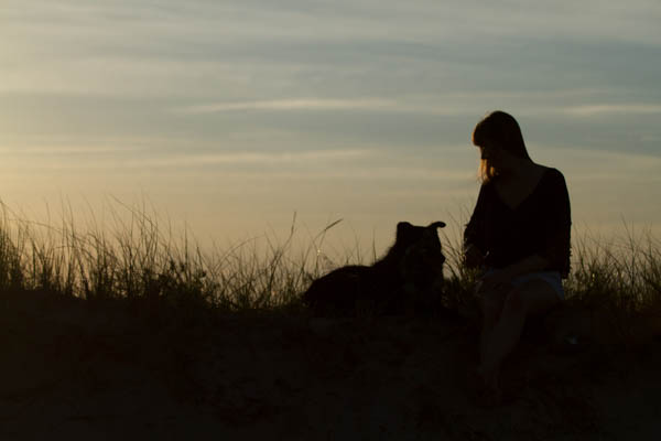 © Lydia Leclair Photography | girl and her dog-Cape-Cod-Beach