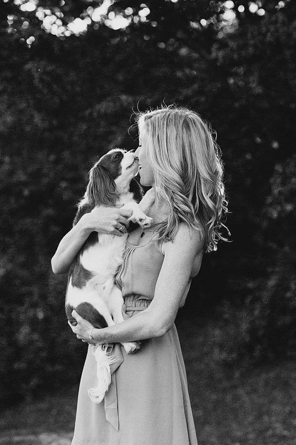 © Jenny Karlsson Photography | a-girl-and-her-dog, King Charles Spaniel puppy, black-white-pet-portraits