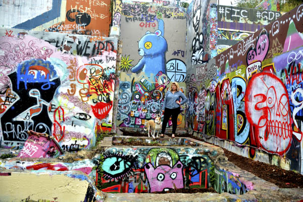 © Simone Epiphany Photography   Austin-pet-photography, urban pet photography, Austin-graffiti-portrait sessions