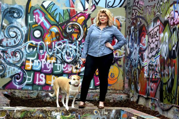 © Simone Epiphany Photography   Austin-graffiti-dog-photos