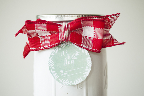 Painted mason jar, fur-the-dog-gift tags, free holiday printable, gift idea for doglover, red gingham bow, white painted jar