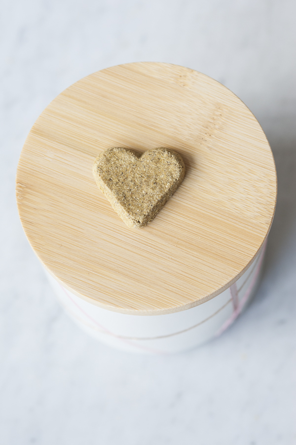 tutorial: DIY painted food storage jars, heart shaped dog treat