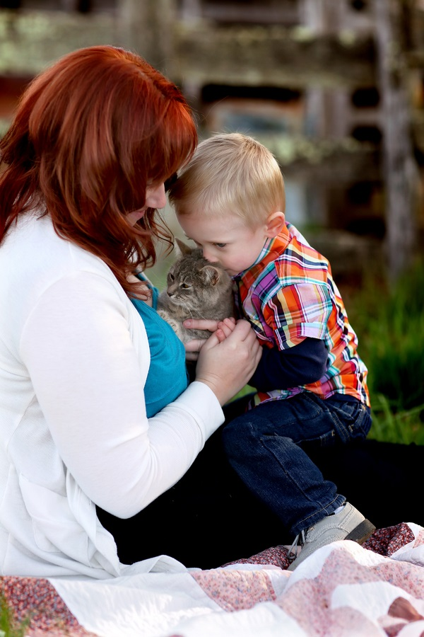 toddler kissing cat, mother,child, cat family portrait, caturday