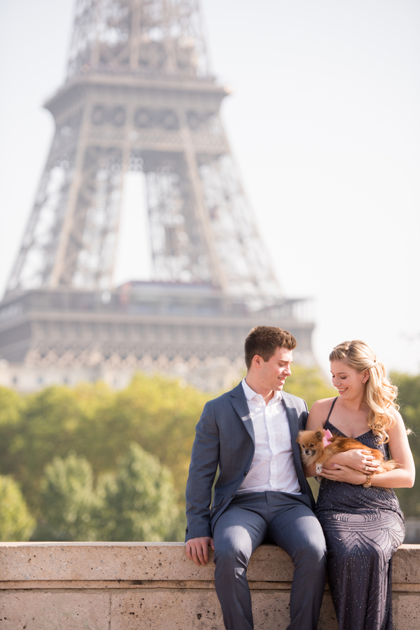 © Pictours Paris, engagement photos in Paris, Pomeranian, Eiffel Tower
