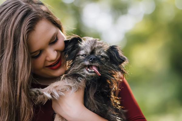 anjeanette-illustration-senior-portraits-with-dog-9-of-8