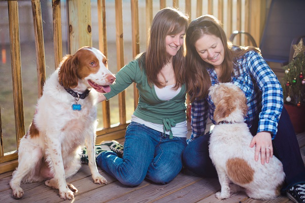 backyard engagement photos with dogs