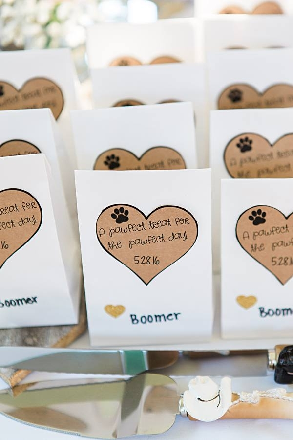 dog wedding favor idea, treat bags with heart and paw print