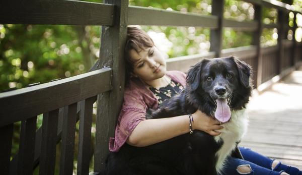 senior portrait with dog