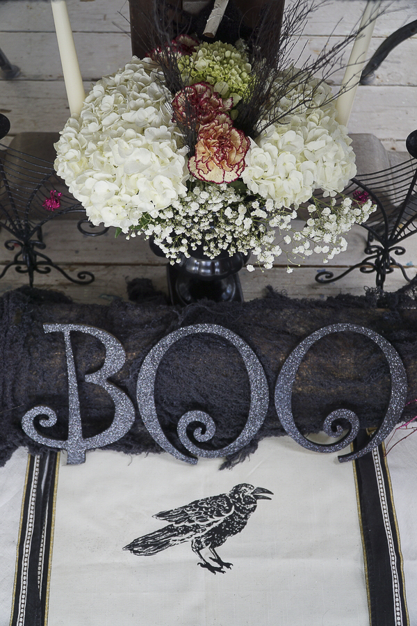 Halloween table and place setting