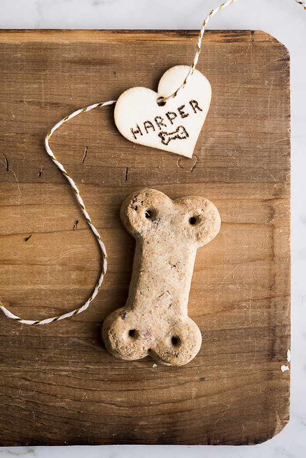 Vita Bone dog treat on scrap wood, dog treat review | ©Alice G Patterson Photography  – Daily Dog Tag
