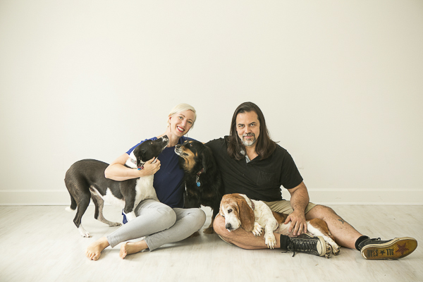 Mandy Whitley Photography, family portrait with pets