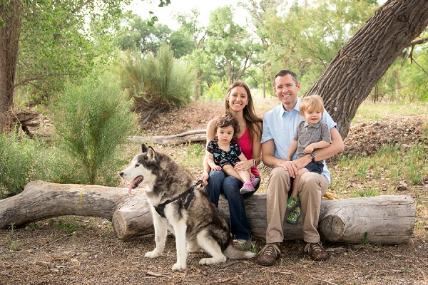 Family photos with dog, ©Carved Tree Photography