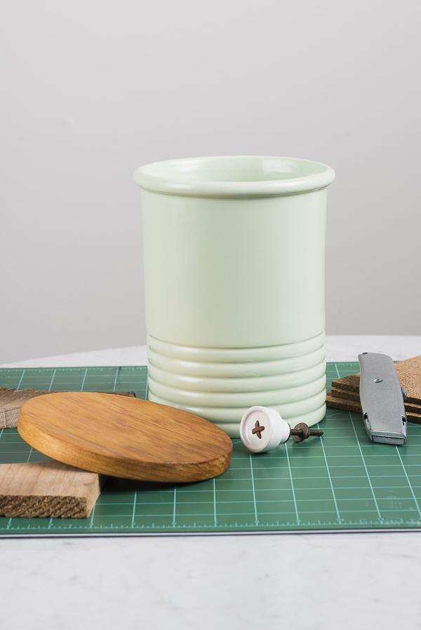 DIY lid for ceramic treat jar supplies, clever dog mom ideas, dog lover lifestyle hacks