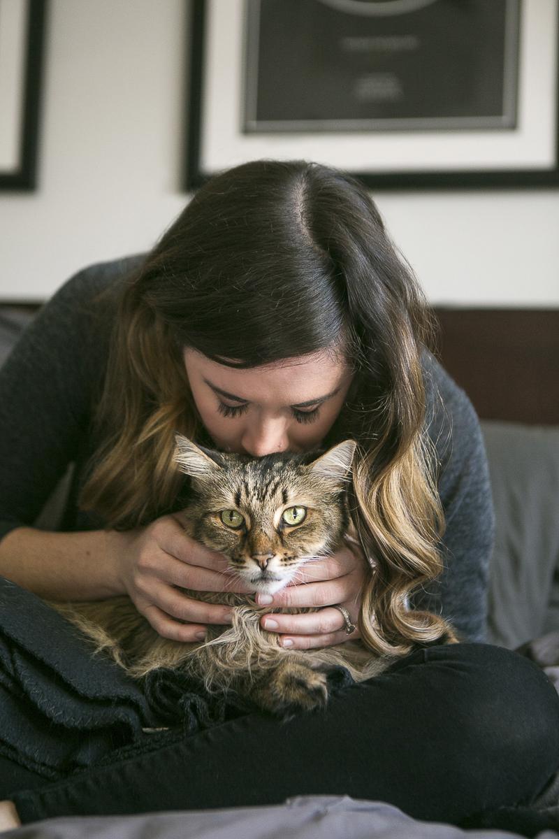 cat lady, lifestyle cat portraits, woman kissing cat ©Mandy Whitley Photography   Nashville pet photographer