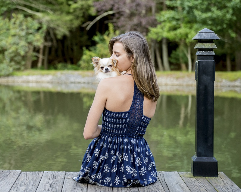 love between dogs and humans, ©Trina Bauer Photography | Dog-Friendly senior portraits