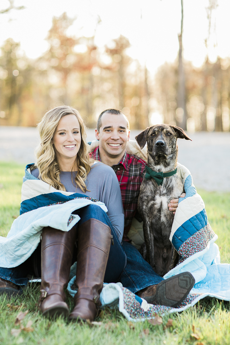 fall engagement photos with a handsome dog | ©Sidney Leigh Photography | dog friendly engagement session