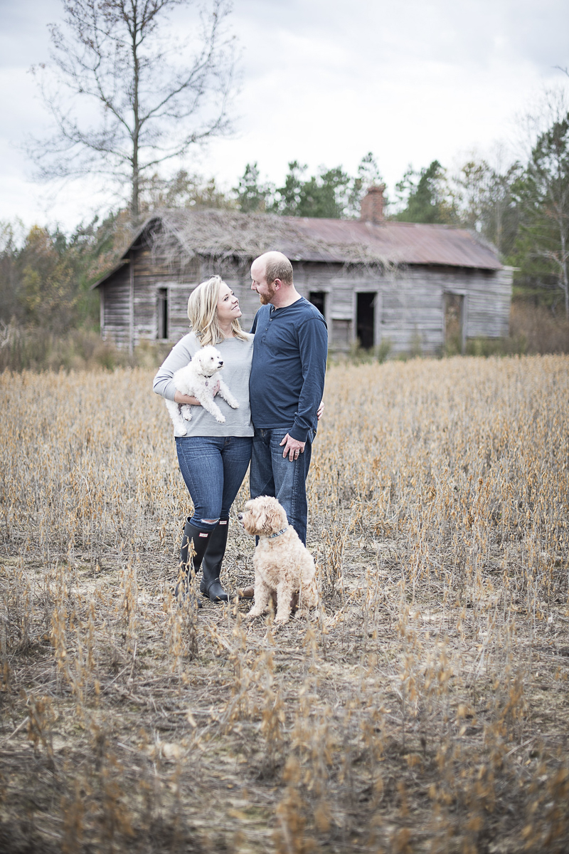 ©Alicia Hite Photography | Sanford, NC family photography, dog-friendly photographer