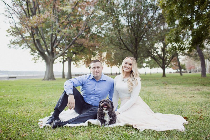 how to include pets in engagement pictures | ©Meely Photography | Perth Amboy, NJ