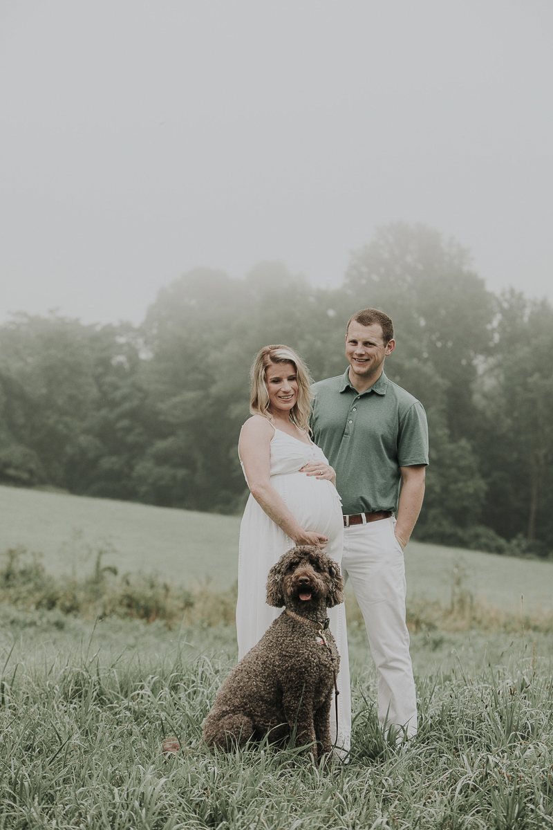 on location family photos, pregnant woman, man, and dog, ©Kelli Wilke Photography