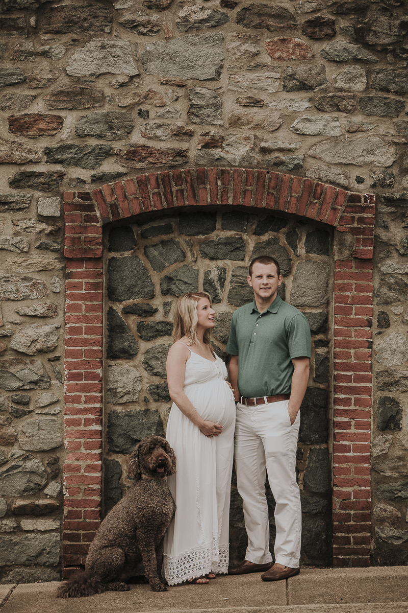 ©Kelli Wilke Photography | dog-friendly maternity session