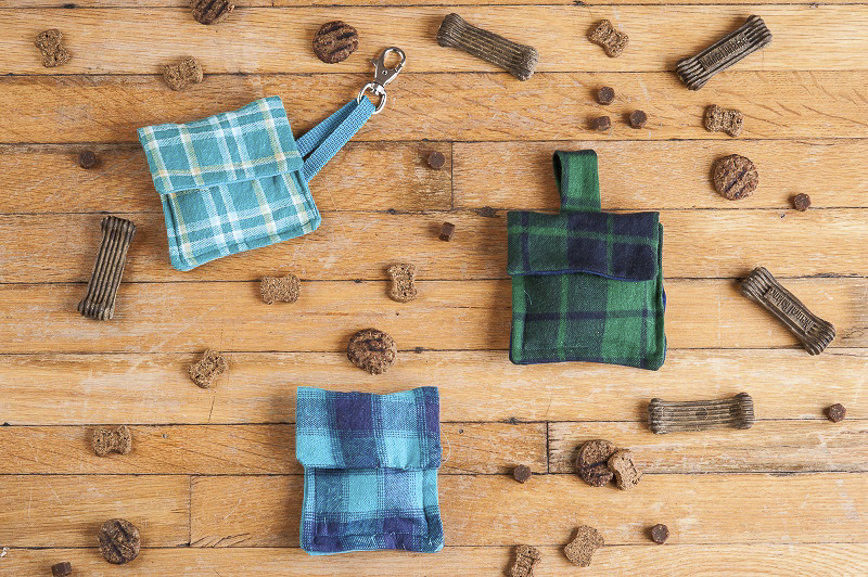 DIY fabric treat pouch, ©Alice G Patterson Photography | easy gift ideas for dog lovers