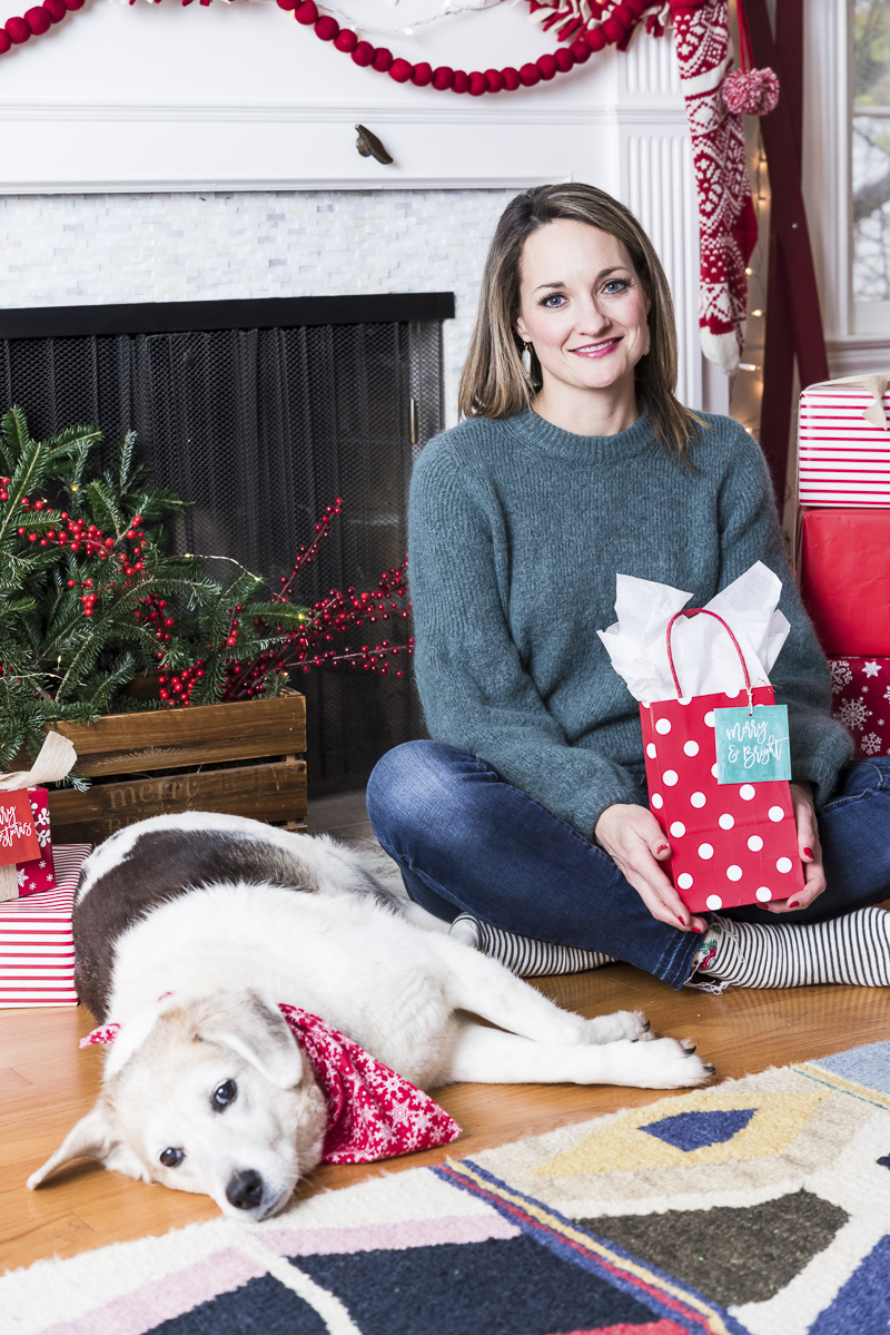 Woman and her dog, last minute gift ideas for dog lovers