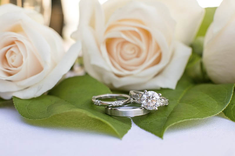©Jeannine Marie Photography | St Paul wedding photography, rings and roses
