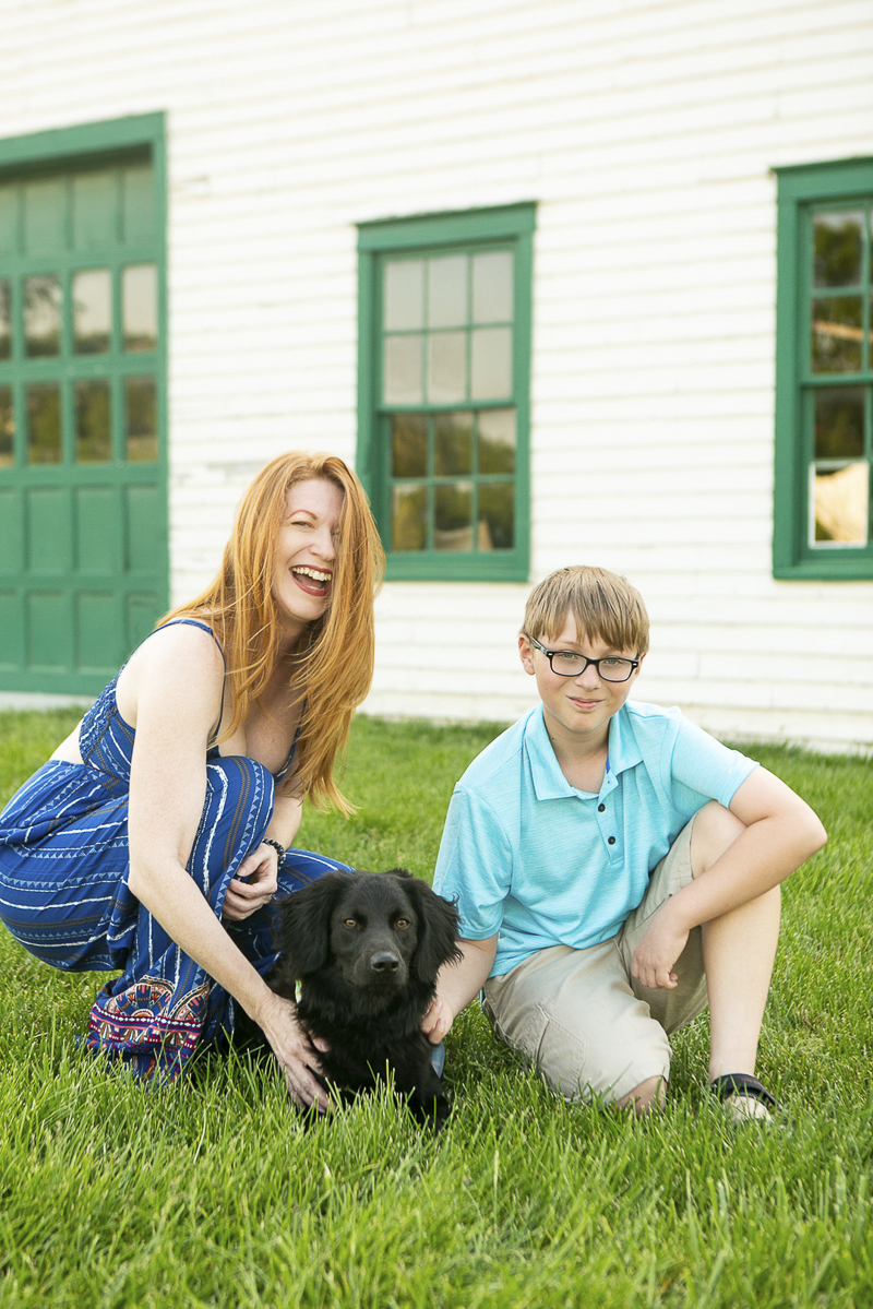 ©Mandy Whitley Photography | Nashville family portraits with a puppy,