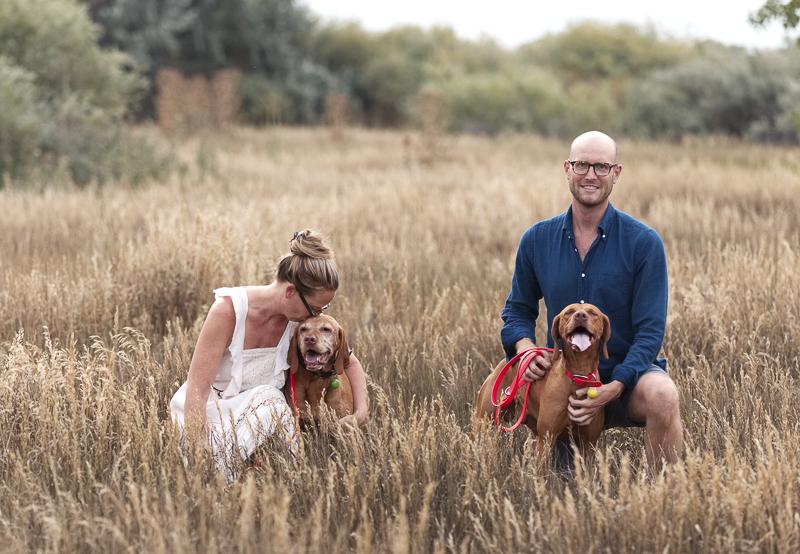 adult siblings and Vizslas, ©Good Morrow Photography | lifestyle dog photographer