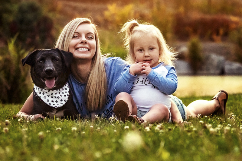 mom, toddler and dog, family portraits, ©Noses and Toes Photography, Spokane lifestyle dog photography