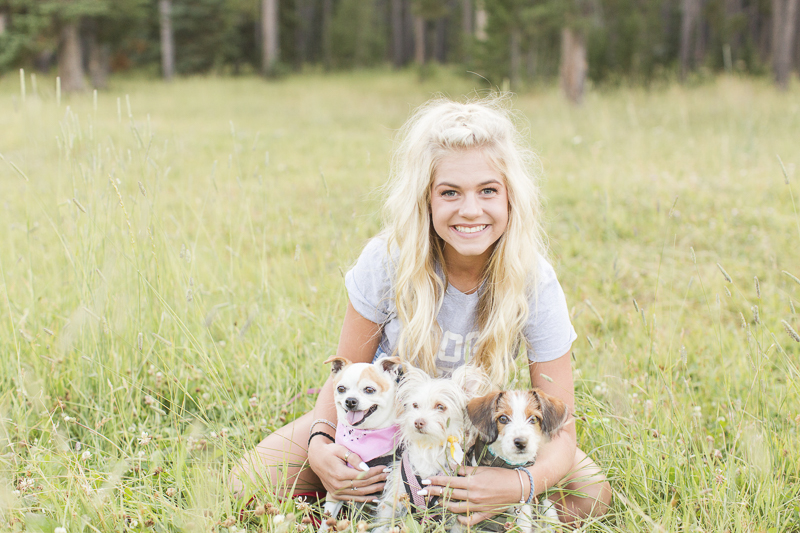 dog-friendly senior portraits, ©Hayden Esau Photography | Casper, WY senior portraits