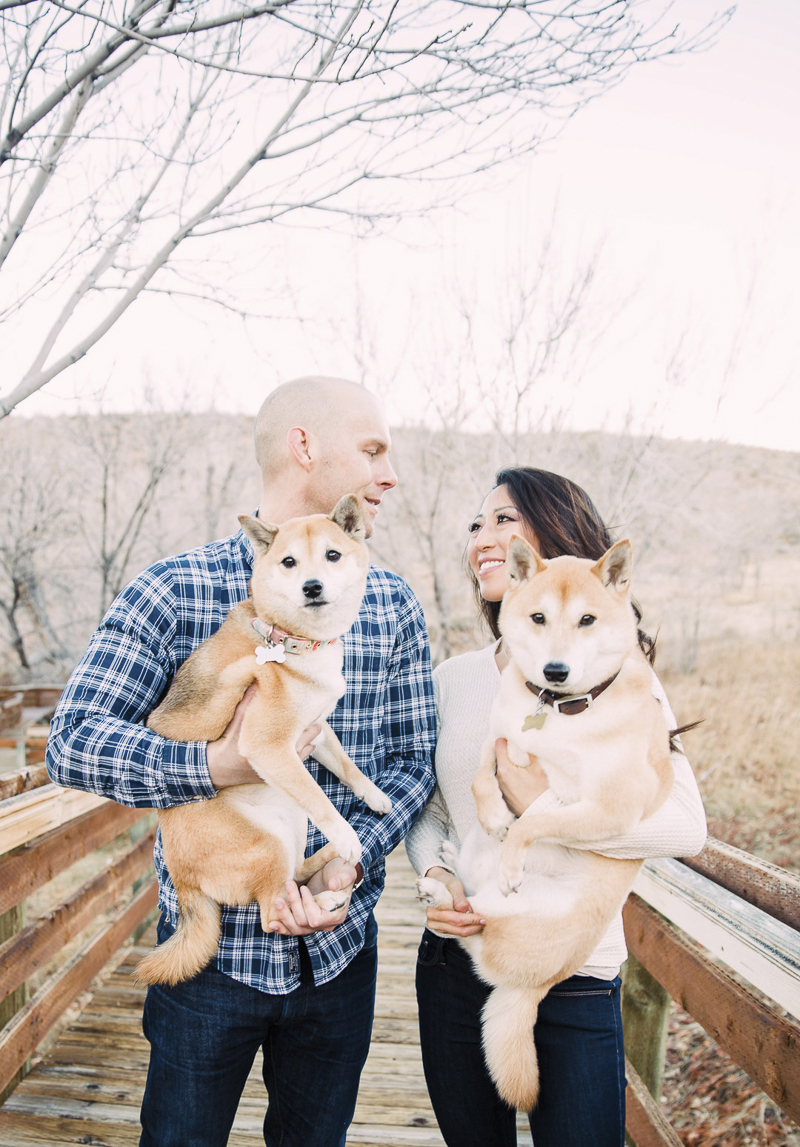 dog lovers, including dogs in engagement photos | ©Alycia Moore Photography